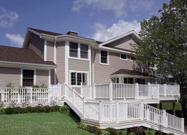 CertainTeed's EverNew® Kingston Vinyl Railing 5