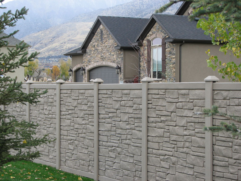 Simtek Simulated Stone Fence Supplier in St. Louis