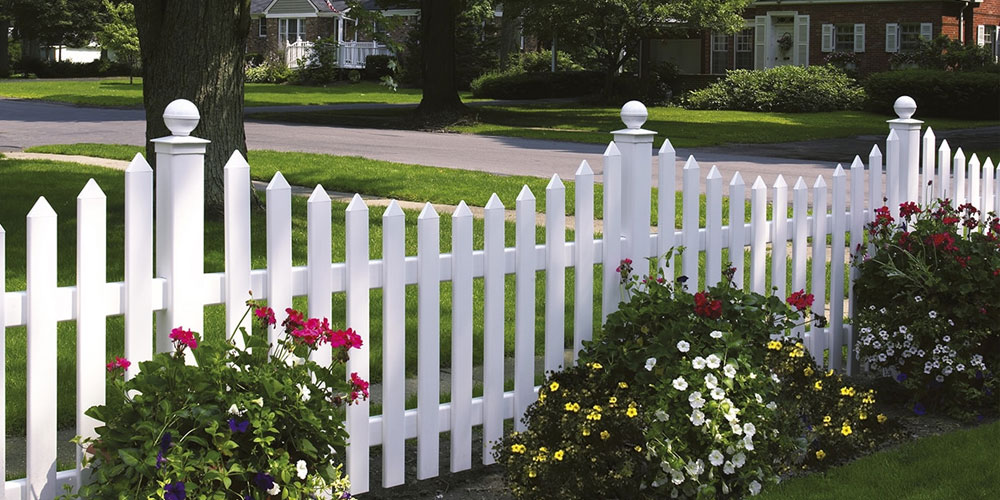 How to Care For Vinyl Fencing