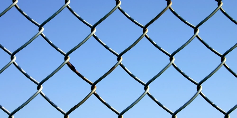 Chain Link vs. Aluminum Fencing