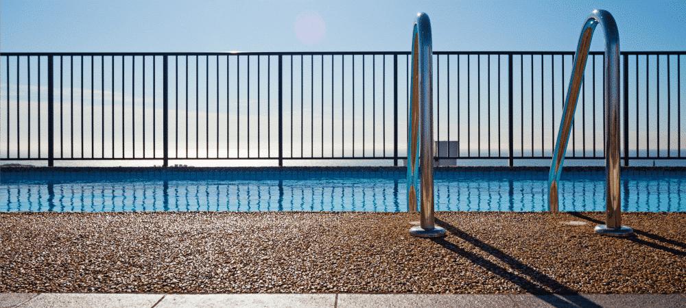 fencing_modern backyard design ideas