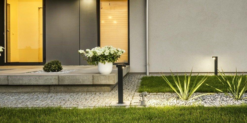 lighting_modern backyard design ideas