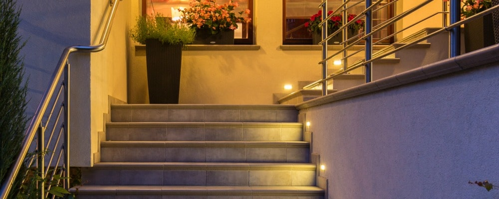 pool safety tips_outdoor lighting