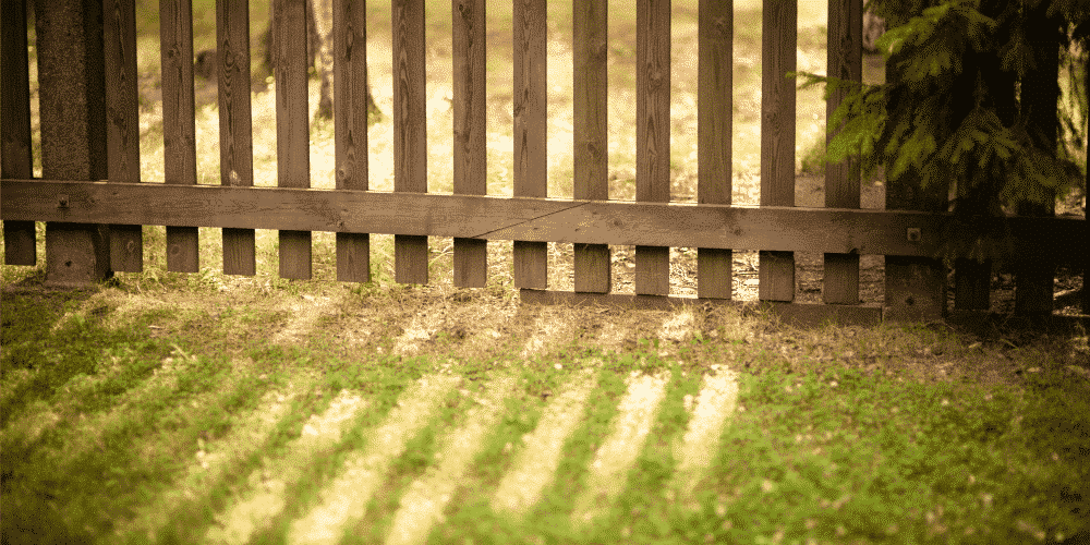5 Signs Your Wood Fencing Just Isn't Going to Cut It