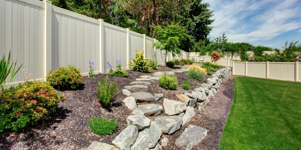 6 Remarkable Benefits of Yard Fencing for St. Louis Homeowners