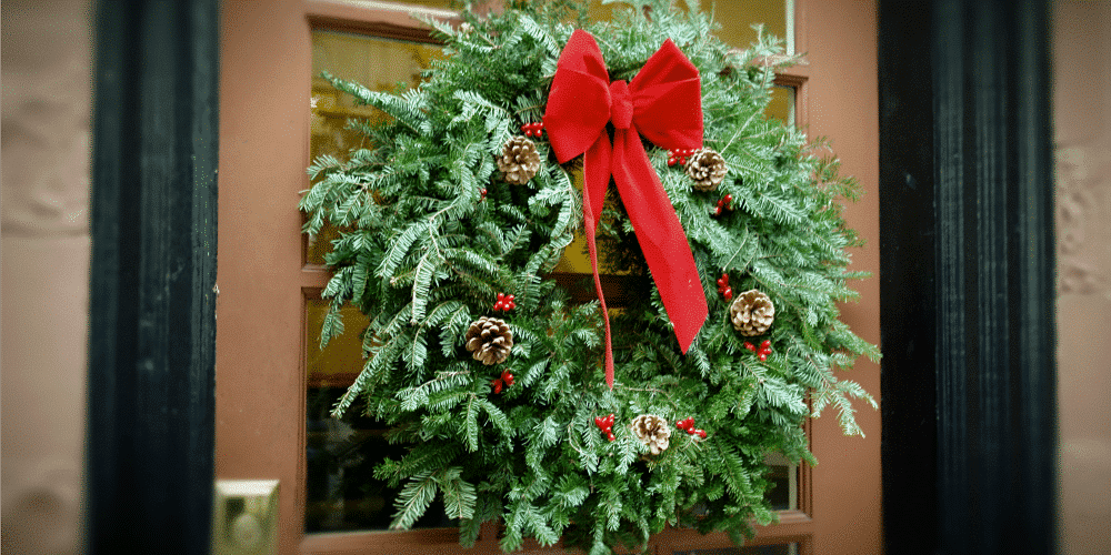 Decorating for the Holidays – Make Your Home Beautiful Inside and Out