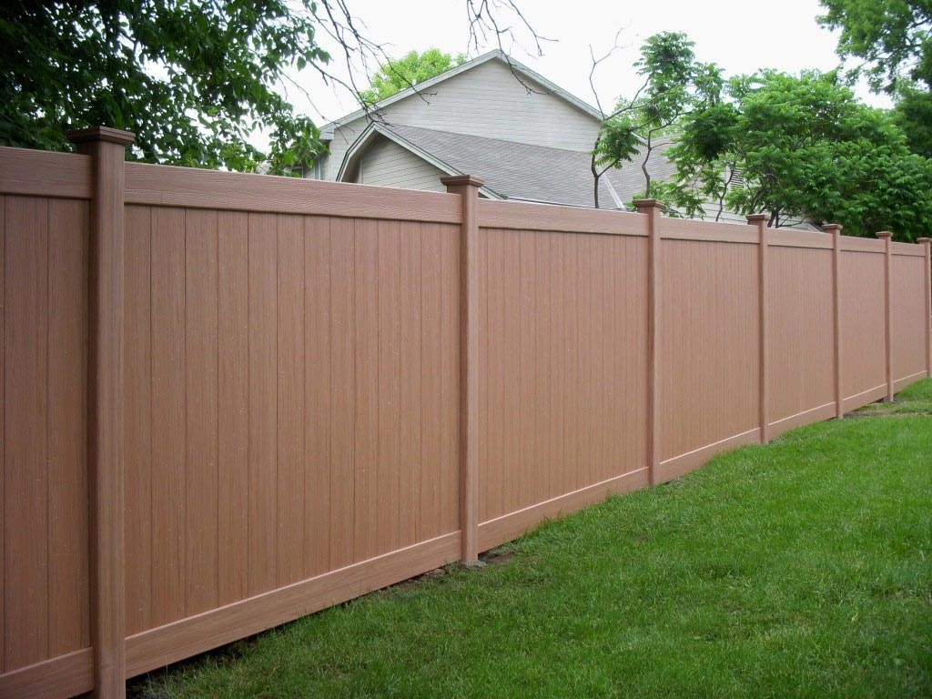 Vinyl Fencing by MaintainFree.com