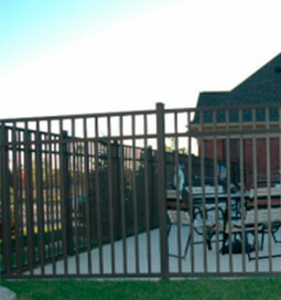 Commercial-Grade-Aluminum-Fence