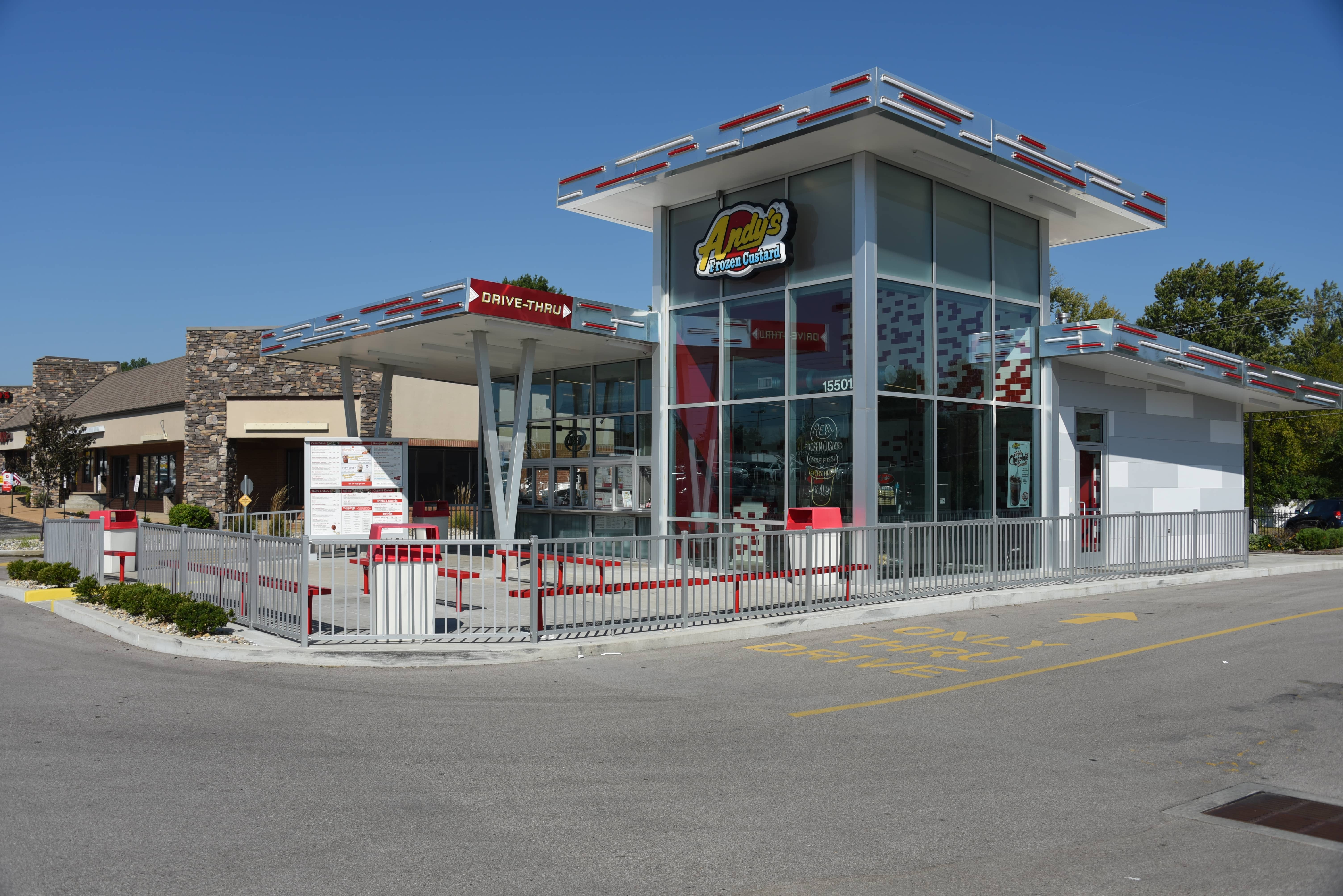 Maintenance-Free Outdoor Solutions installed this commercial grade aluminum railing at Andy's Frozen Custard in Ballwin, Missouri