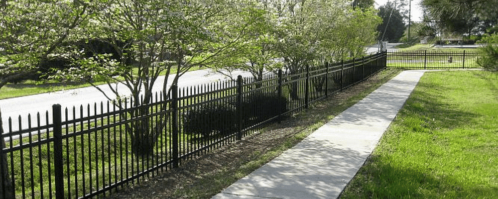 Aluminum Elite fencing products surrounding property