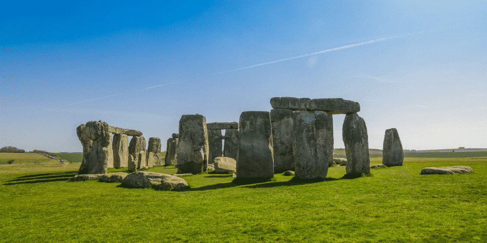 Inspiration for simulated stone fences: Stonehenge