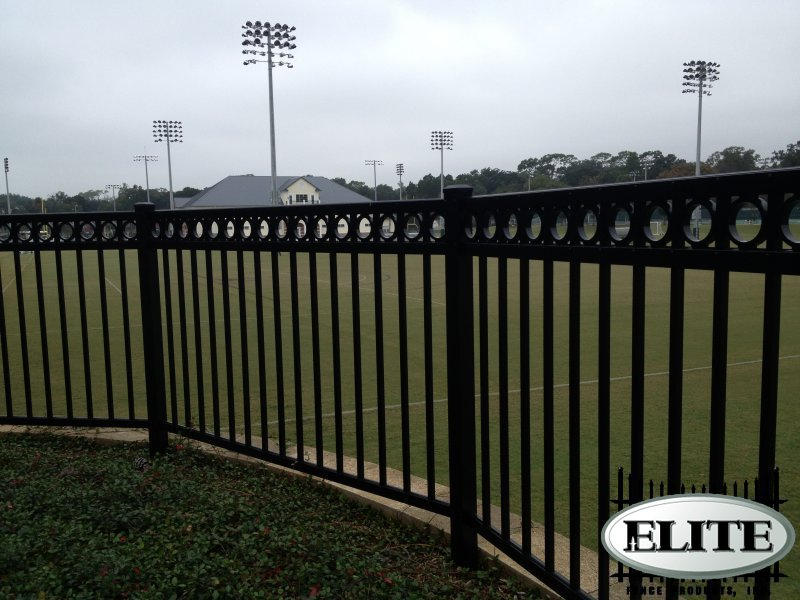 Find The Best Commercial Fence Company Near Me