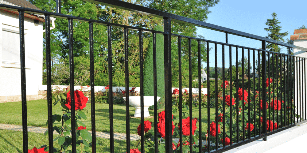 a steel fence of a home that can be provided by a St. Louis Fence Company