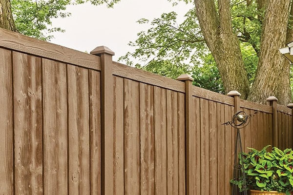 Sherwood™ Simulated Woodgrain Fencing