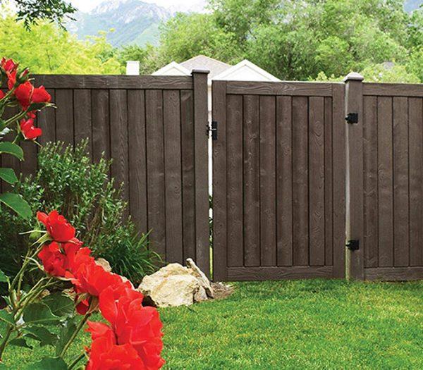 Certainteed Simulated Woodgrain Fence